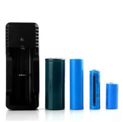 Универсальное зарядное устройство для 1-го аккумулятора 3.7В 26650, 18650, 16340, 14500 (фото, вид 1)